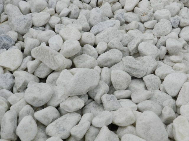 20 40mm Polar White Pebbles Delivered To Poole And Dorset
